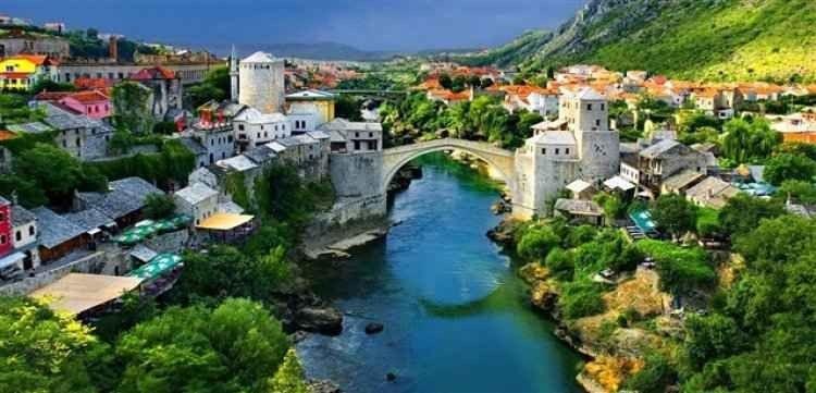 عادات وتقاليد ألبانيا  ألبانيا واحدة من البلاد الجميلة التي توجد جنوب شرق أوروبا