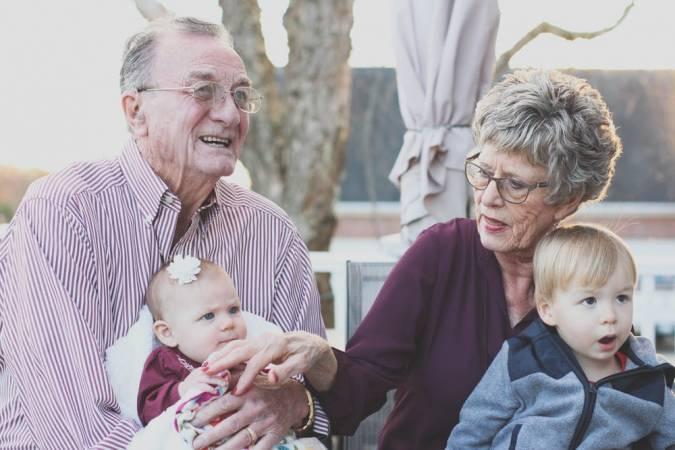 تعبير عن الأسرة أساس المجتمع بالعناصر