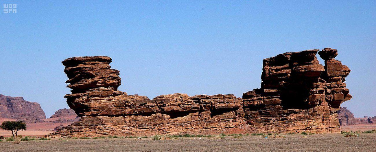 جبل السفينة في صحراء حسمي