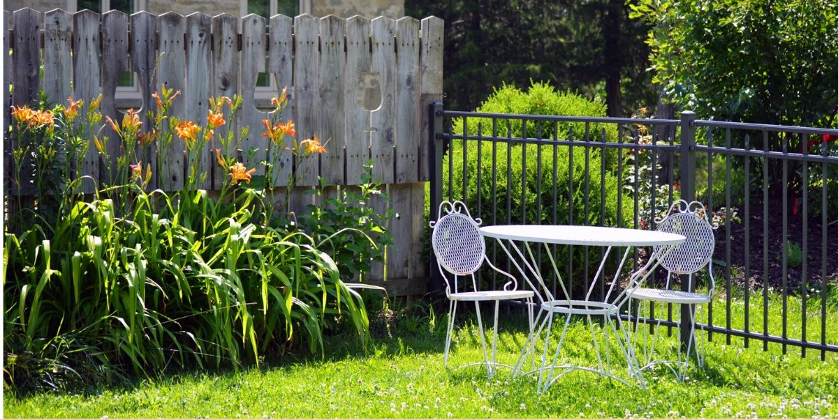 ديكورات حدائق منزلية صغيرة وبسيطة