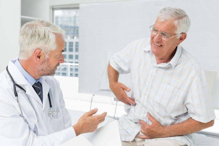 اعراض مرض الكبد عند الرجال  علامات تحذيرية تُنذر بضرورة زيارة الطبيب