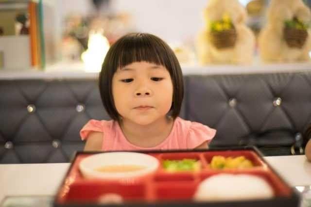 كيفية التعامل مع الطفل الذي لا يأكل