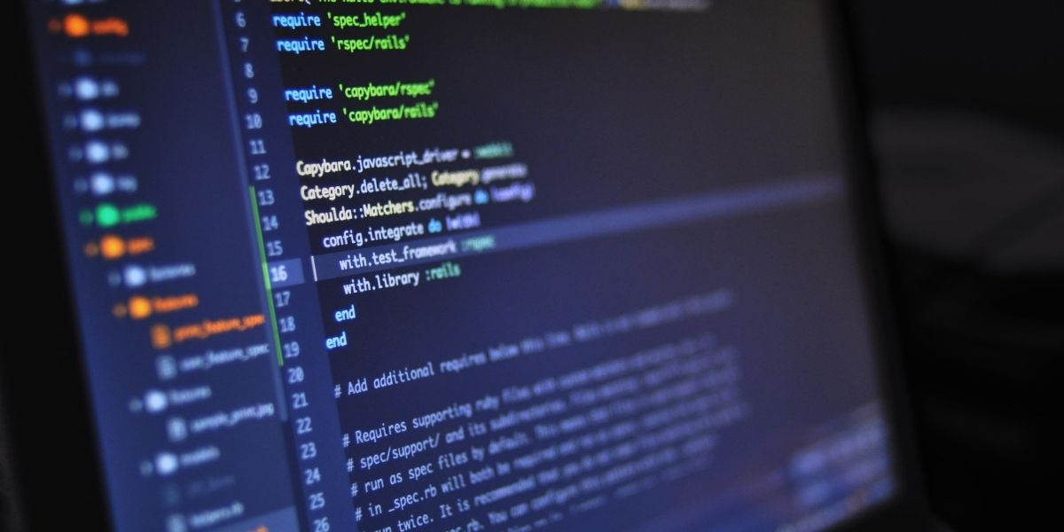لغات برمجة يكثر استخدامها لتصميم تطبيقات الويب