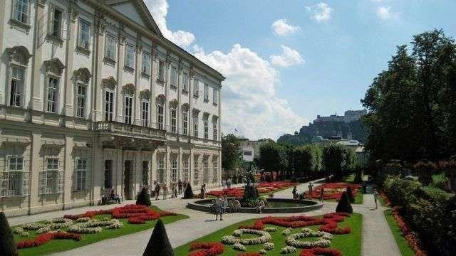 قصر ميرابيل..
