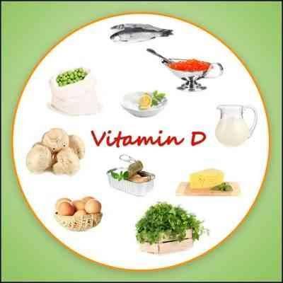 تناول الأطعمة والمكملات الغذائية التي تحتوي على فيتامين د