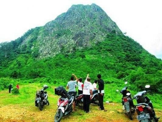 جبل Gunung Batu Jonggol ..