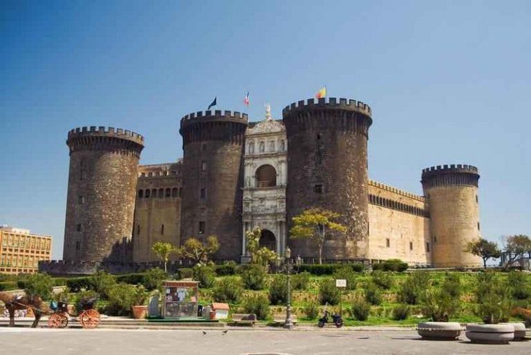 قلعة نوفو Castle of Novo