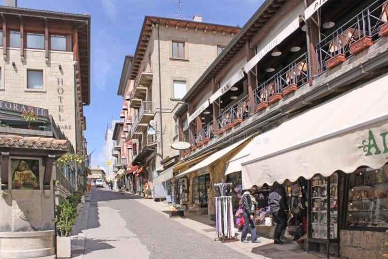 """"""" أسواق سان مارينو San Marino markets"""" .. افضل اماكن السياحة في سان مارينو .."""