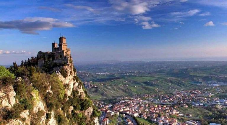 """"""" أبراج سان مارينو الثلاثة Three Towers of San Marino """" .. اهم معالم السياحة في سان مارينو .."""