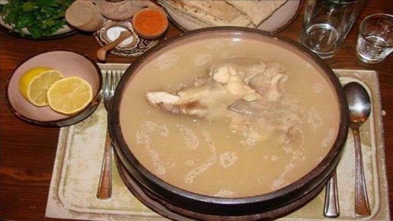 شوربة الكوارع  الأكلات المشهورة في السودان Sudan