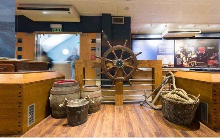 """متحف """"مايفلور""""..أحد أبرز الاماكن السياحية في بليموث البريطانية .."""