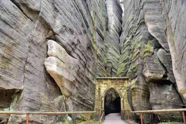 Adrspach-Teplice Rocks  المناطق السياحية القريبة من براغ prague