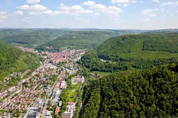 Bad Urach  المناطق السياحية القريبة من شتوتغارت Stuttgart