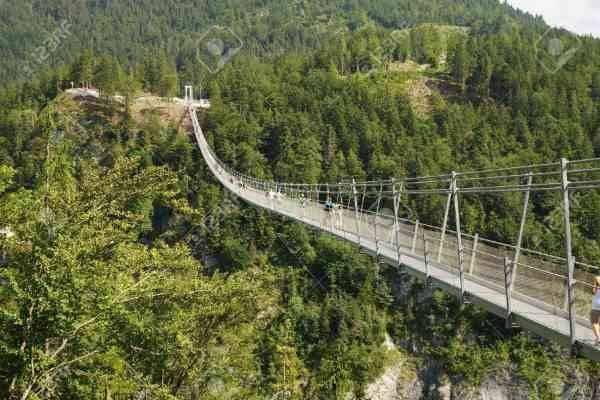 Highline 179  المناطق السياحية القريبة من شتوتغارت Stuttgart