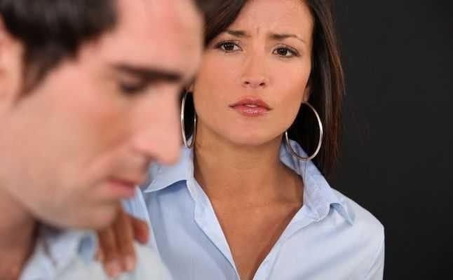 طرق آخري لكيفيه التعامل مع الزوج  طريقة التعامل مع الزوج الذي يفضل اهله