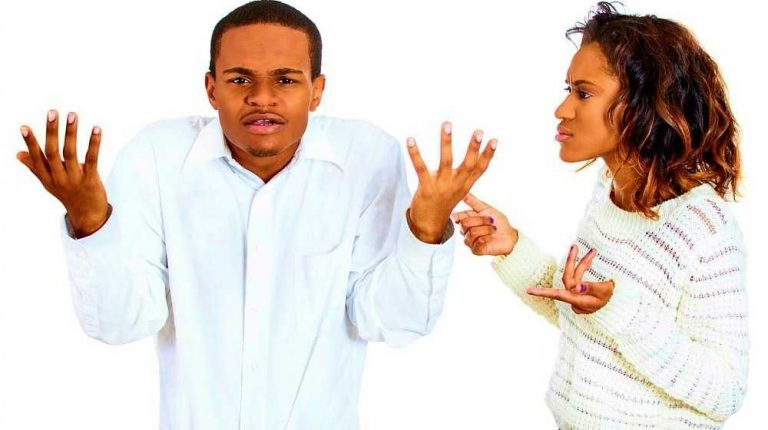 لماذا يفضل الزوج الاهل عن الزوجة  طريقة التعامل مع الزوج الذي يفضل اهله