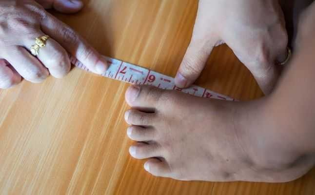 مقاسات احذية الاطفال حسب العمر .. تعرف معنا على هذه المقاسات وطرق اختيارها
