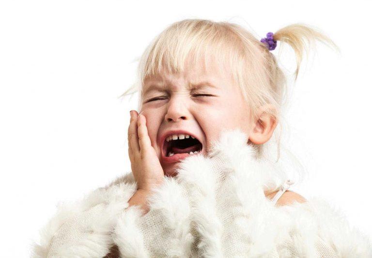 كيفية التعامل مع صراخ الأطفال