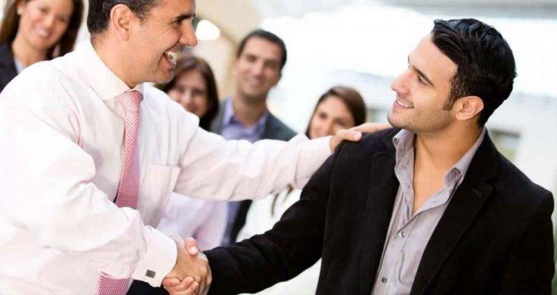 الأساليب الذوقية في التعامل مع الآخرين بلطف
