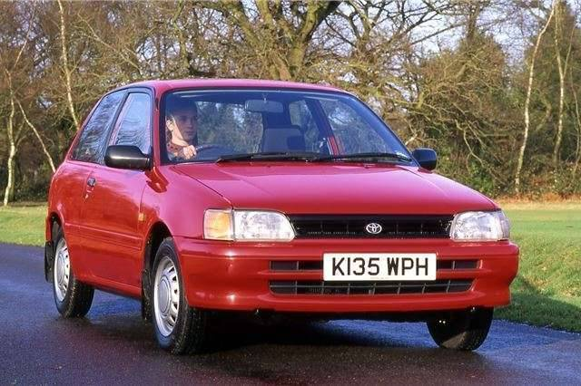 مميزات وعيوب سيارة تويوتا ستارليت أهم التفاصيل عن سيارة تويوتا ستارليت
