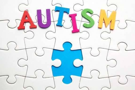 تعرف على مرض التوحد واسبابه وأعراضه